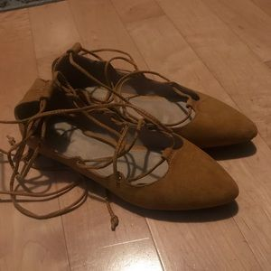 EUC old nave lace up flat